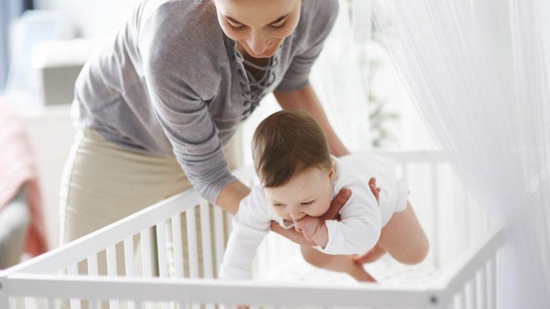 Comment bien gérer la température et l'humidité de l'air dans la chambre de bébé ?
