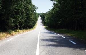 Une route en ligne droite